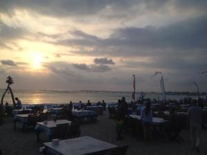 バリ島・ジンバラン・ビーチカフェ
